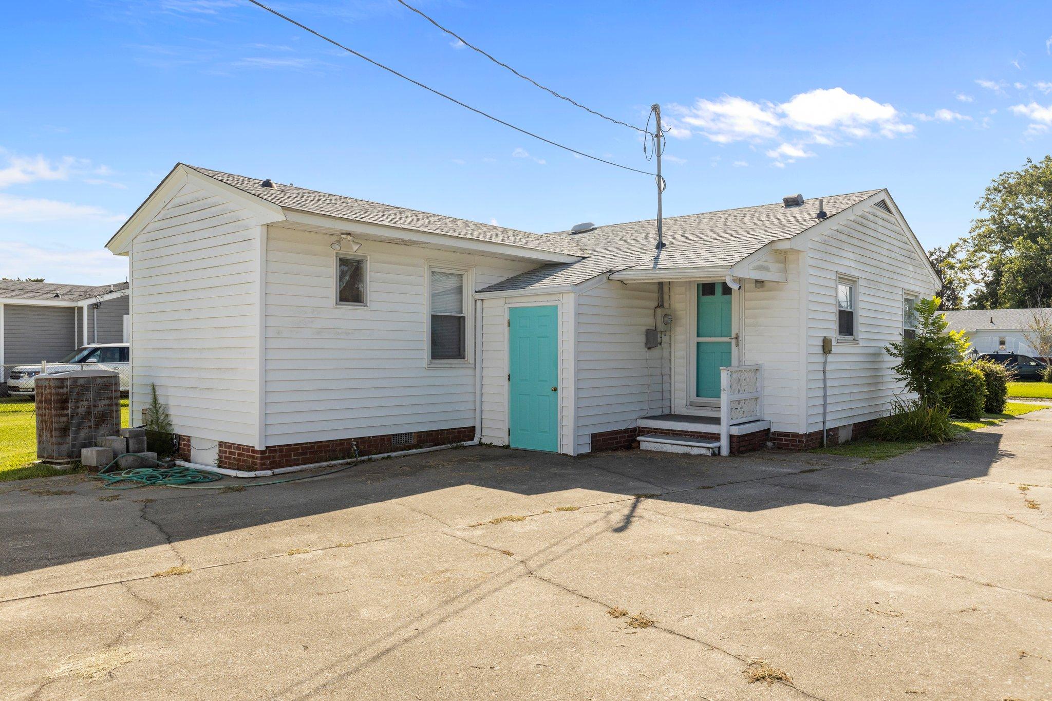904 N Yaupon Terrace, Morehead City, NC 28557, USA Photo 4
