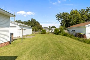 904 N Yaupon Terrace, Morehead City, NC 28557, USA Photo 8
