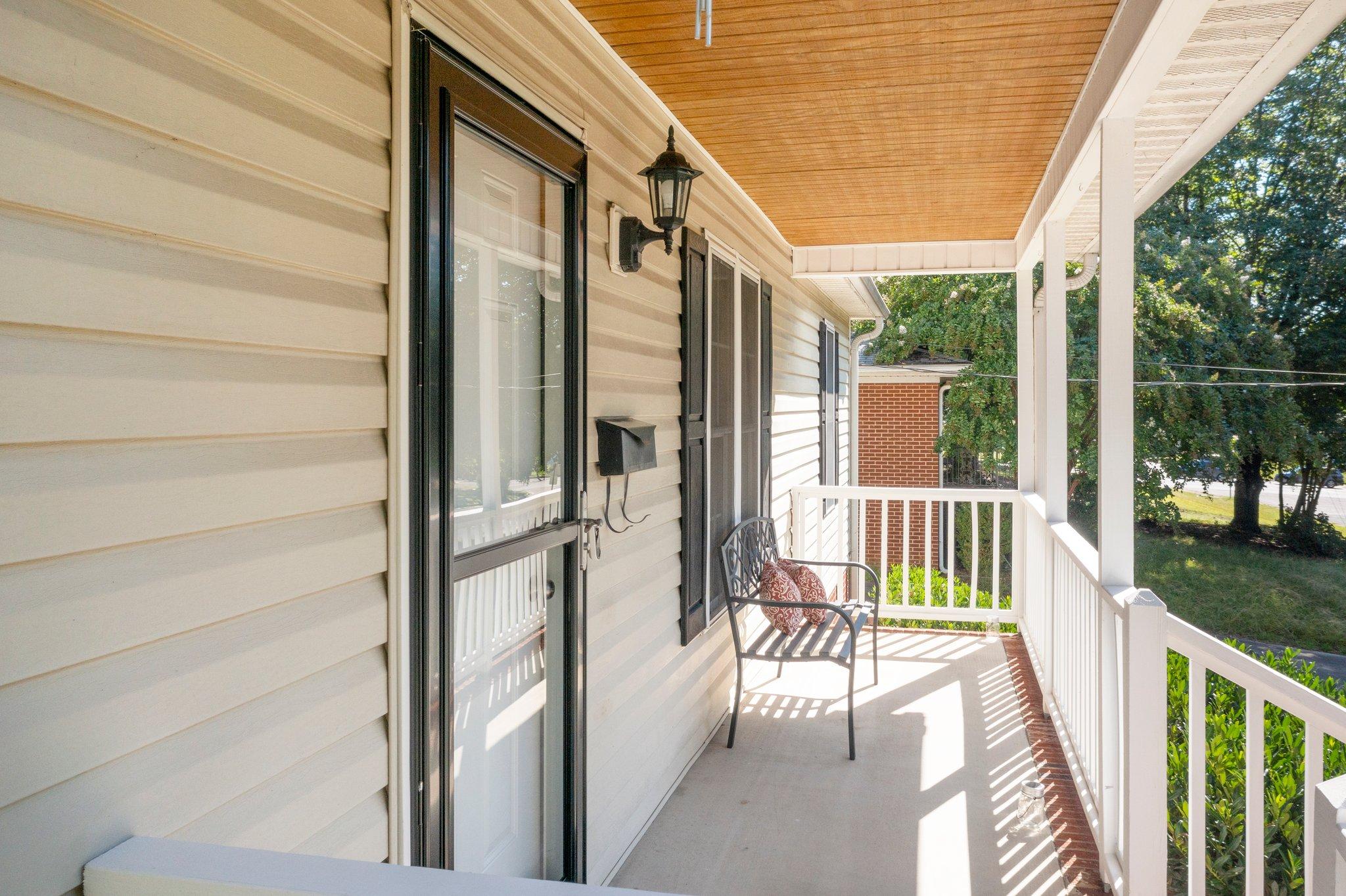 908 E Hudson Ave, Durham, NC 27704, USA Photo 5