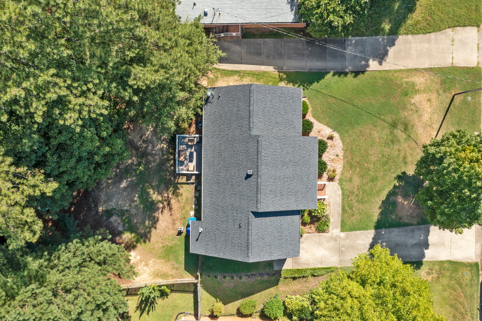 908 E Hudson Ave, Durham, NC 27704, USA Photo 6