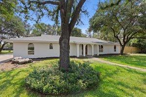 9114 Balcones Club Dr, Austin, TX 78750, USA Photo 11