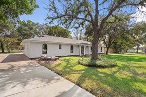9114 Balcones Club Dr, Austin, TX 78750, USA Photo 13