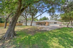 9114 Balcones Club Dr, Austin, TX 78750, USA Photo 74