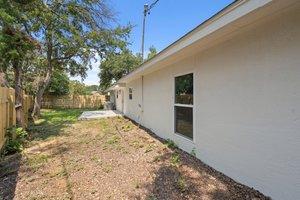 9114 Balcones Club Dr, Austin, TX 78750, USA Photo 79