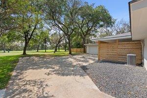 9114 Balcones Club Dr, Austin, TX 78750, USA Photo 15