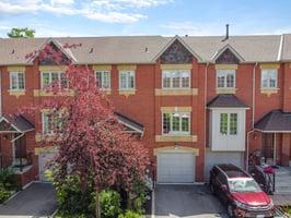 95 Weldrick Rd E, Richmond Hill, ON L4C 0H6, Canada Photo 1