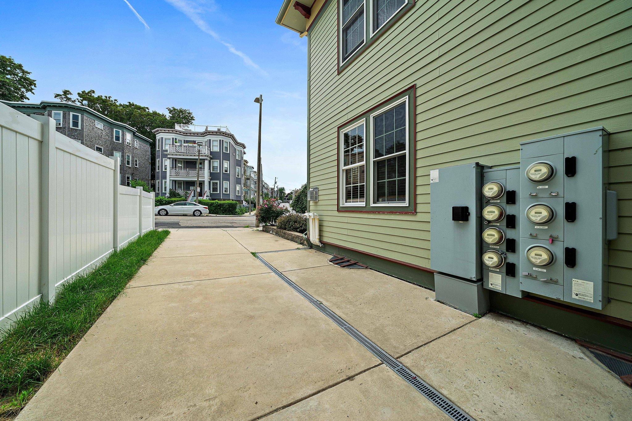 96 Neponset Ave, Dorchester, MA 02122, USA Photo 12